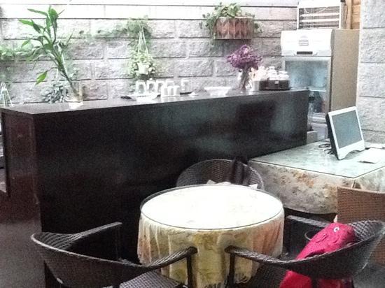 Huating Hotel Gulangyu Zhimeng: lobby and bar