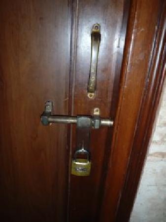 Hotel Pearl Plaza: Hallway