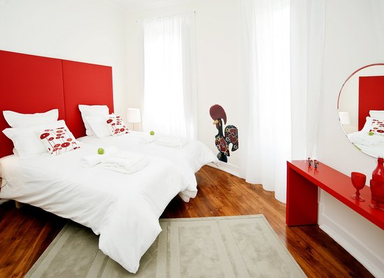 Lisbon Dreams Guest House: Rooster Room