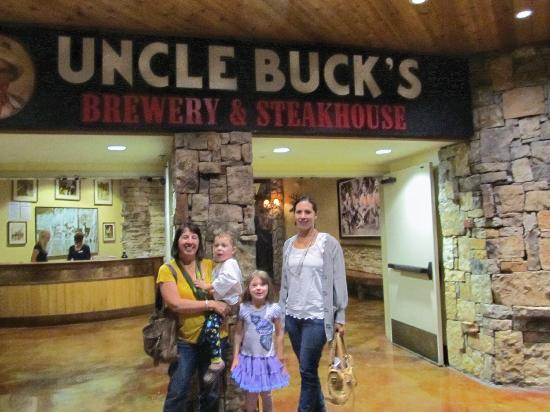 Uncle Buck's Brewery and Steakhouse: Uncle Bucks