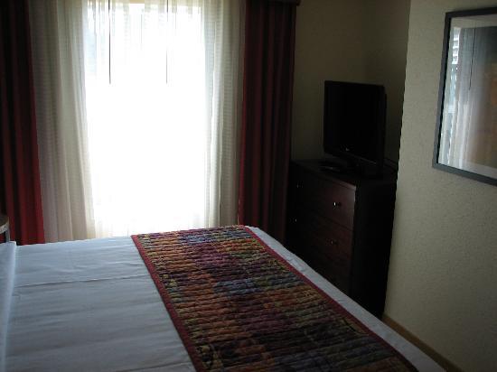 Residence Inn Charlotte Concord: Bedroom