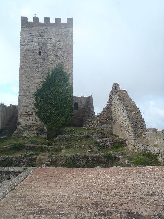 Castello di Lombardia (Enna): tower