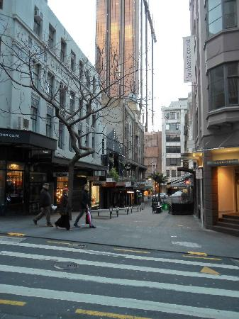 Vulcan Lane: Looking back towards Queen Street