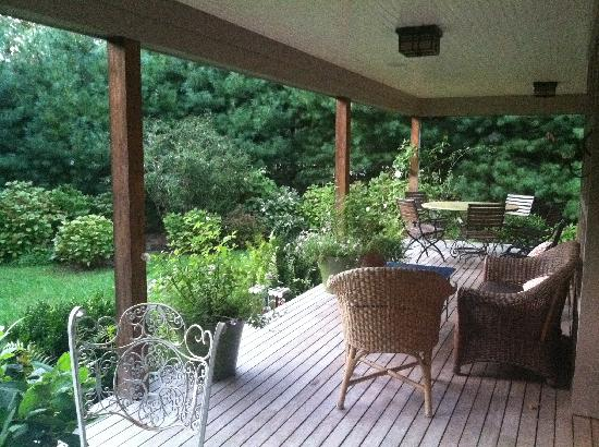 Harborwoods Guesthouse: back porch