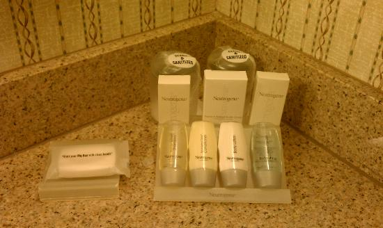 Hilton Garden Inn Calabasas: Bath Amenities
