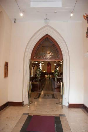 St. Patrick's Cathedral: Through the entrance