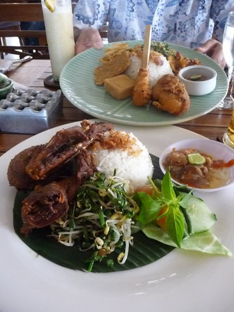 Warung Eropa: crispy duck in the foreground - fantastic!