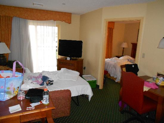 Residence Inn Joplin: Whole view- kinda messy :)