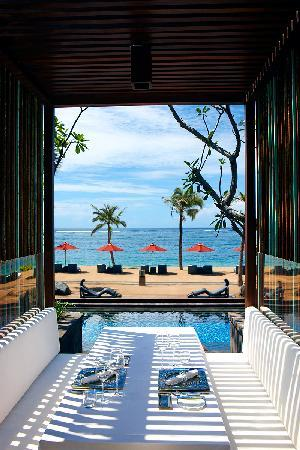 The St. Regis Bali Resort: Kayuputi Outdoor Bale
