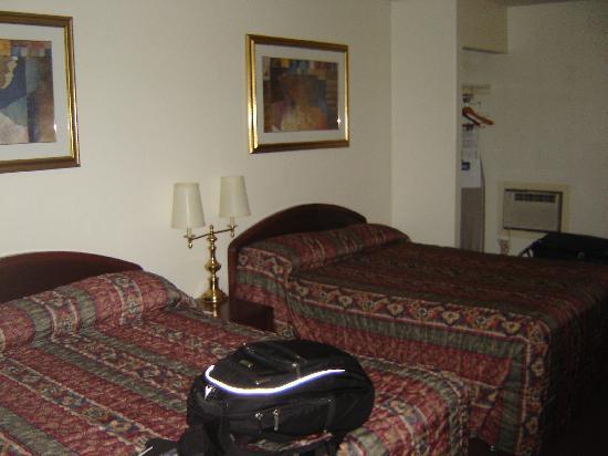 Travelodge Edmonton West : Beds