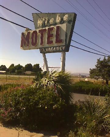 Wiebe motel hollister californie voir les tarifs et for Motel bas prix