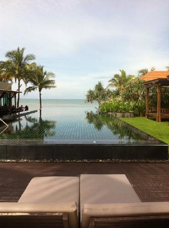 Chongfah Beach Resort: nice view