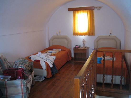 Anemomilos Villa : Schlafzimmer oben