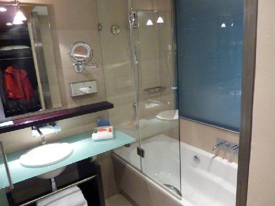 NH Den Haag: baño