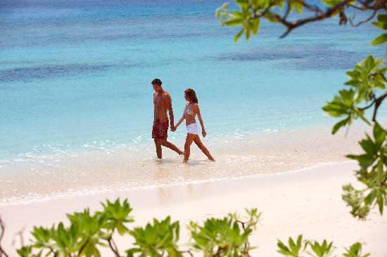 Tadrai Island Resort - Romantic Walks