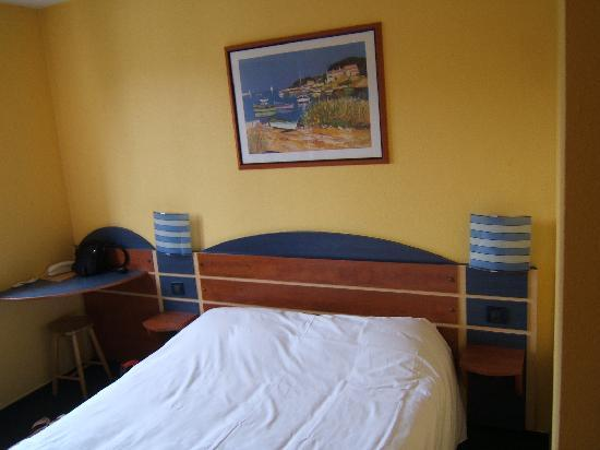 Hotel Altica Anglet: La cama