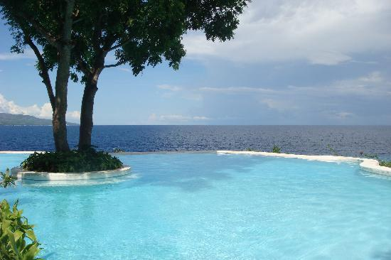 Bluewater Sumilon Island Resort: Pool area