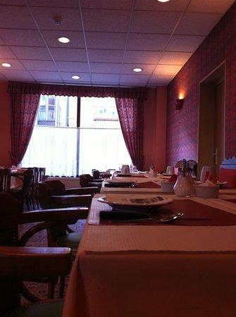Hotel Carmin : ach - petit dejeuner