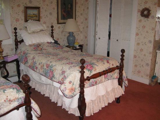 Tidewater Inn: The allis room