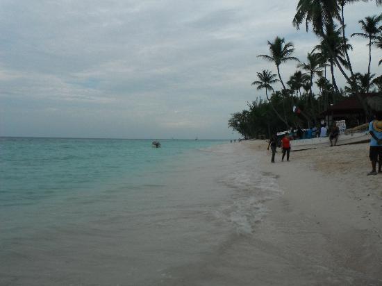 Grand Palladium Palace Resort Spa & Casino: Playa