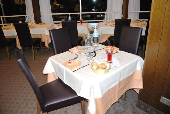 Mezzana, Italie : ristorante