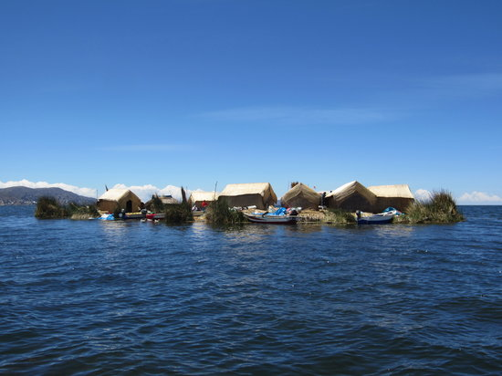 ‪Uros Floating Islands‬