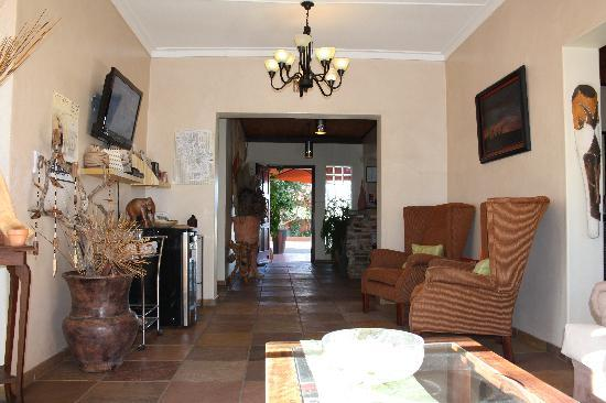 Guesthouse Terra Africa: Entrance area (leads to breakfast room)