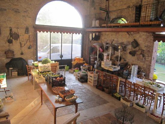 Agriturismo Palazzetto Ardi: Vista dalla scala d'accesso alle stanze