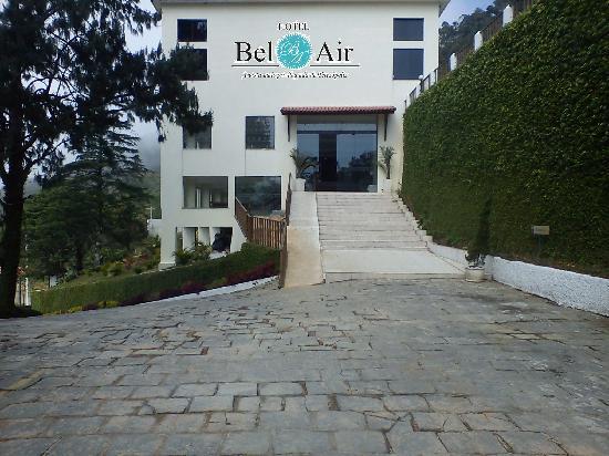Bel-Air Hotel: Entrada da Recepção