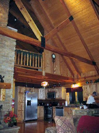 Cabins At Hickory Ridge: View into Kitchen