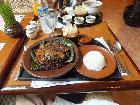 Novotel Yogyakarta: ジョグジャも名物料理らしいのですが、名前は忘れた。。