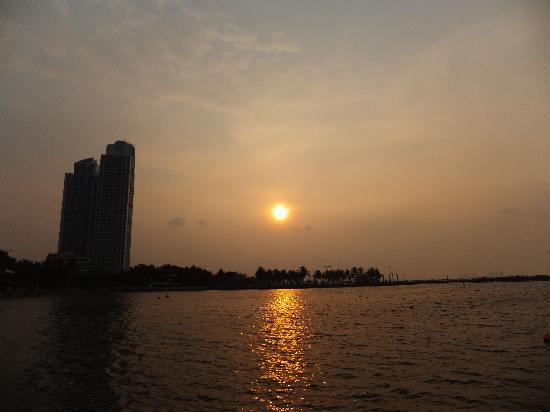 Ancol Dreamland: 夕日が綺麗です