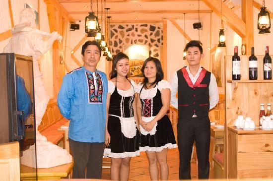 Swiss Chalet Ho Chi Minh City: Swiss Chalet Staff