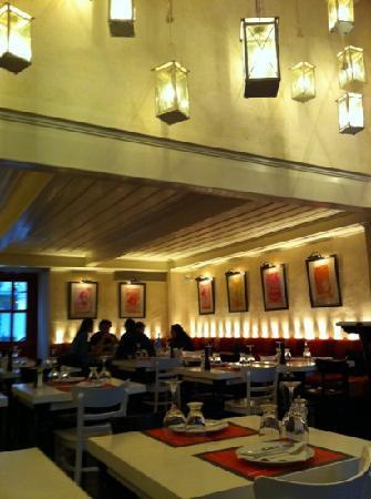 Kakanarakis 1986 : oct 2011- 1986 restaurant