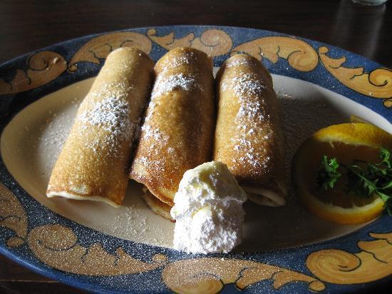Harpoon Hannah's: sausages in pancakes