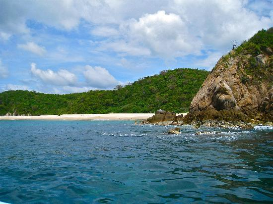 Huatulco Bay: Secluded Beaches
