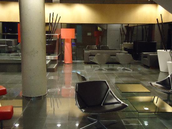 NH Madrid Las Tablas: Lobby