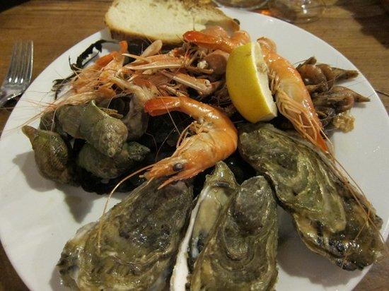 Le Cayenne : Seafood platter for the entrée