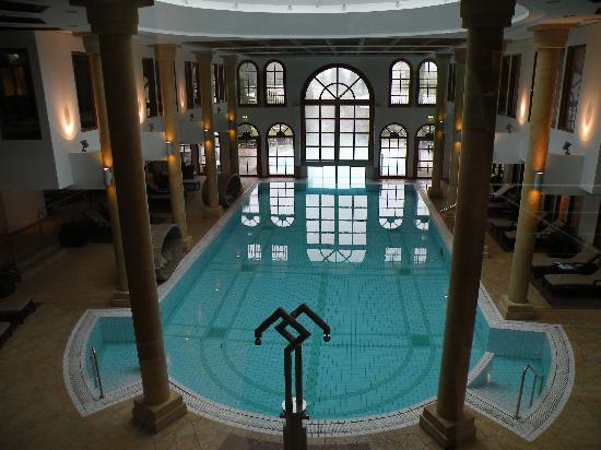 A-ROSA Resort Kitzbühel: pool area