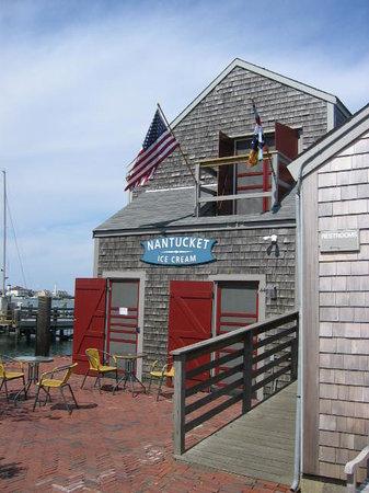 Nantucket Ice Cream & Juice Guys: The Little Shack on the Wharf!