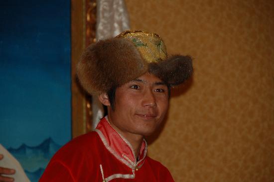 KuangNiu Restaurant: More costume