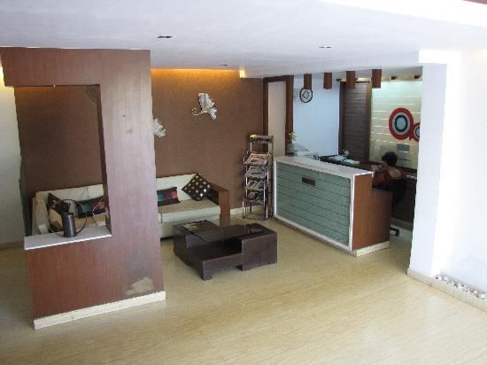 Hotel Aarian Aatithya : lobby