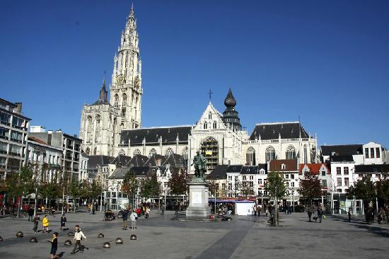 Hotel-Pension Granducale: Antwerp Cathedral
