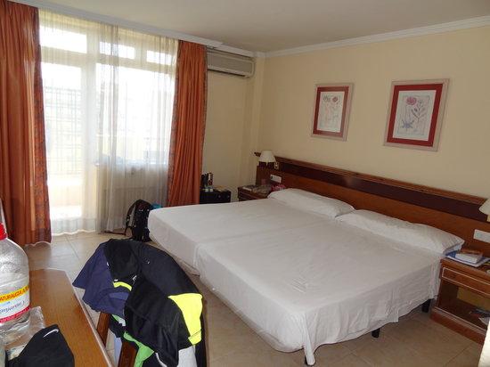 Hotel San Cristobal: номер