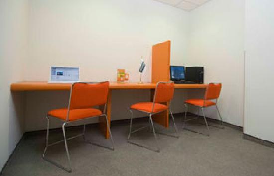 City Express Junior Toluca: Centro de Negocios