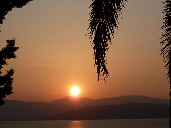 Nissaki, Grecia: levé de soleil vu du bingalow