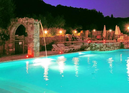 Le Querce di Assisi: Chiamarla piscina è riduttivo - PARTE 1
