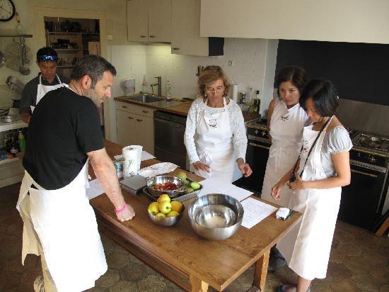 Saint-Etienne-de-Chigny, Prancis: Cooking with Béatrice