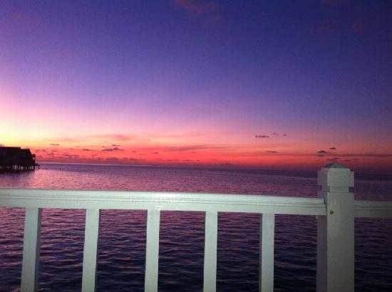 Centara Grand Island Resort & Spa Maldives: Sunset from villa