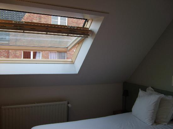 Walwyck Hotel Brugge: walwyck attic window